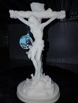 Albast Wit, Jezus aan Kruis hoog 22 breed 11 diep 8.5