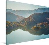 Luchtfoto van Meer van Bled en bergen Slovenië Canvas 180x120 cm - Foto print op Canvas schilderij (Wanddecoratie woonkamer / slaapkamer) XXL / Groot formaat!
