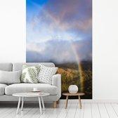 Fotobehang vinyl - Prachtige regenboog over het Bosque Nuboso Monteverde in Costa Rica breedte 180 cm x hoogte 270 cm - Foto print op behang (in 7 formaten beschikbaar)