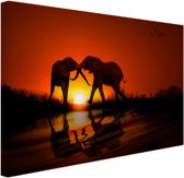 Olifanten koppel bij zonsondergang Canvas 120x80 cm - Foto print op Canvas schilderij (Wanddecoratie)