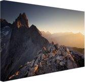 FotoCadeau.nl - Uitzicht over de bergen Canvas 80x60 cm - Foto print op Canvas schilderij (Wanddecoratie)