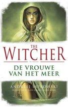 Boek cover The Witcher 7 - The Witcher - De Vrouwe van het Meer (POD) van Andrzej Sapkowski (Paperback)