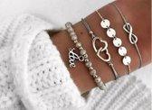 Nr. 6 - Grijze armband 4-delig - armband infinity - armband zilveren rondjes - armband met hartjes - armband met grijze kraaltjes - armband met letters love - © Tibri (C)
