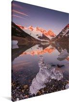 Zonsopgang bij de berg van de Cerro Chaltén met ijsschotsen op de voorgrond Canvas 90x140 cm - Foto print op Canvas schilderij (Wanddecoratie woonkamer / slaapkamer)