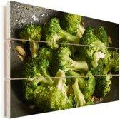 Roergebakken verse broccoli Vurenhout met planken 30x20 cm - klein - Foto print op Hout (Wanddecoratie)