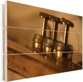 Close up van de trompetkleppen Vurenhout met planken 120x80 cm - Foto print op Hout (Wanddecoratie)