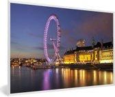 Foto in lijst - Rivier de Theems en de verlichtte London Eye fotolijst wit 60x40 cm - Poster in lijst (Wanddecoratie woonkamer / slaapkamer)
