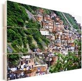 Een nederzetting van een favela op een heuvel in Rio de Janeiro Vurenhout met planken 60x40 cm - Foto print op Hout (Wanddecoratie)