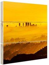 FotoCadeau.nl - Mistige zonsondergang LA skyline Hout 100x100 cm - Foto print op Hout (Wanddecoratie)