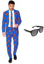 Heren kostuum / pak met Superman print maat 56 (3XL) - met gratis zonnebril