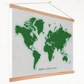 Wereldkaart modern groen op schoolplaat 60x40 cm platte latten - Textielposter