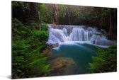 Blauw water bij een waterval in het Nationaal park Erawan Aluminium 180x120 cm - Foto print op Aluminium (metaal wanddecoratie) XXL / Groot formaat!