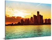 Oranje lucht door de zonsondergang op de rivier van Detroit in de Verenigde Staten Aluminium 160x120 cm - Foto print op Aluminium (metaal wanddecoratie) XXL / Groot formaat!