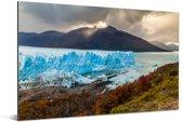 De Perito Moreno gletsjer met een mooie berg op de achtergrond Aluminium 90x60 cm - Foto print op Aluminium (metaal wanddecoratie)