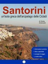 Santorini, un'isola greca dell'arcipelago delle Cicladi