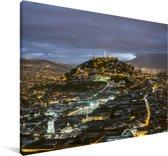 Panoramisch uitzicht op de stad Quito in de schemering Canvas 180x120 cm - Foto print op Canvas schilderij (Wanddecoratie woonkamer / slaapkamer) XXL / Groot formaat!