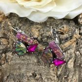 zilverkleurige oorhangers met cabochons in paars tinten