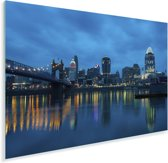 De stadshorizon van Cincinnati in Amerika vlak voor zonsopkomst Plexiglas 120x80 cm - Foto print op Glas (Plexiglas wanddecoratie)