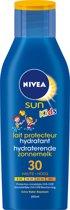 Nivea Kids Verzorgende Zonnebrandcréme voor Kinderen Factor 30 200 ML – 17x6x2cm | voor de Gevoelige Huid | Kids Zonnencreme