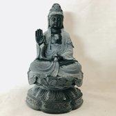 Kwan Yin beeld 11cm  Zittend op een lotus.Kwan Yin, ook wel Quan Yin Guanyin of Kannon boeddha