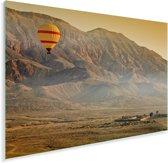 Luchtballon boven de Vallei van de Koningen in Luxor Plexiglas 60x40 cm - Foto print op Glas (Plexiglas wanddecoratie)