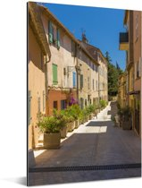 Gezellig straatje in het Franse Saint-Tropez Aluminium 60x90 cm - Foto print op Aluminium (metaal wanddecoratie)