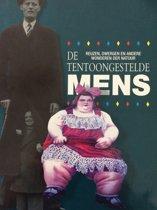 TENTOONGESTELDE MENS