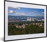Foto in lijst - Stadslandschap van Irvine in het Amerikaanse Californië fotolijst zwart met witte passe-partout klein 40x30 cm - Poster in lijst (Wanddecoratie woonkamer / slaapkamer)