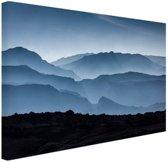 Silhouette van bergen Canvas 80x60 cm - Foto print op Canvas schilderij (Wanddecoratie woonkamer / slaapkamer)