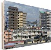 Stadsgezicht van de miljoenenstad Dar es Salaam in Afrika Vurenhout met planken 60x40 cm - Foto print op Hout (Wanddecoratie)