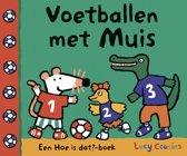 Prentenboek Muis - voetballen met
