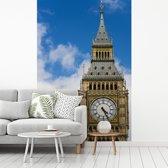 Fotobehang vinyl - Close up van de klokkentoren van de Big Ben in Londen breedte 190 cm x hoogte 280 cm - Foto print op behang (in 7 formaten beschikbaar)