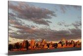 Oranje kleuren van de skyline van de haven van Porto Alegre Aluminium 180x120 cm - Foto print op Aluminium (metaal wanddecoratie) XXL / Groot formaat!