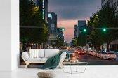 Fotobehang vinyl - Drukke straat in het centrum van het Zuid-Koreaanse Gwangju breedte 450 cm x hoogte 300 cm - Foto print op behang (in 7 formaten beschikbaar)