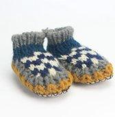 Babyslofjes gebreid blauw/wit/oker, Jansje Design