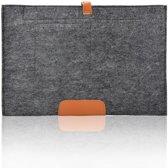 Vilten sleeve met omslag voor MacBook 13 inch - donker grijs