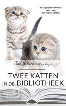 Omslag van 'Twee katten in de bibliotheek'