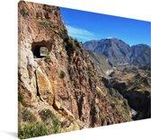 De vallei van de Colca Canyon in Zuid-Amerika Canvas 90x60 cm - Foto print op Canvas schilderij (Wanddecoratie woonkamer / slaapkamer)