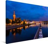 Verlichting in de avond in het Nederlandse Maastricht Canvas 140x90 cm - Foto print op Canvas schilderij (Wanddecoratie woonkamer / slaapkamer) / Europese steden Canvas Schilderijen