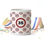 Mok met Leeftijd (verkeersbord) 35 Jaar Verjaardag