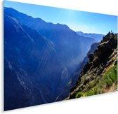 Mist die uit de diepte van de Colca Canyon komt in Peru Plexiglas 90x60 cm - Foto print op Glas (Plexiglas wanddecoratie)