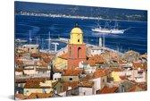 Saint-Tropez en de blauwe middellandse zee in Frankrijk Aluminium 180x120 cm - Foto print op Aluminium (metaal wanddecoratie) XXL / Groot formaat!