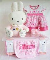 Geboorte cadeau Kleintje Met 13 Artikelen Roze NO5