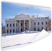 Witte Huis bij sneeuwval Poster 120x80 cm - Foto print op Poster (wanddecoratie)