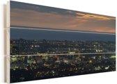 Luchtfoto van Adelaide in Oceanië tijdens de avond Vurenhout met planken 120x80 cm - Foto print op Hout (Wanddecoratie)