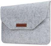 Laptop Vilten Soft Sleeve Envelop | Geschikt voor Macbook Pro & Air 13 inch (13,3'') | Laptop Hoes | Macbook bescherming case | Cadeau voor man & vrouw | Lichtgrijs