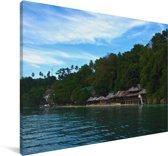 Kustlijn van het Nationaal park Bunaken in Indonesië Canvas 140x90 cm - Foto print op Canvas schilderij (Wanddecoratie woonkamer / slaapkamer)