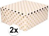 2x Lichtroze folie inpakpapier/cadeaupapier gouden stip 200 x 70 cm - cadeaupapier/geschenkpapier - Cadeautjes inpakken