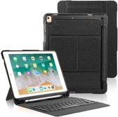 CaseBoutique Rugged Keyboard Case - iPad 2018/2017/Air 1/Air 2 hoesje met Bluetooth Toetsenbord - QWERTY indeling - Zwart