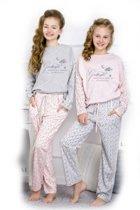Kinderpyjama Taro Nadia 1153 roze met opdruk en grijze stippel broek - 116